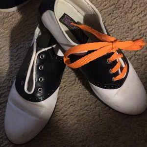 Shoes - Sattle oxfords .  Size 8 . Great shape.
